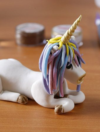 The Best Edible Unicorn Cake Topper You'll Ever Make