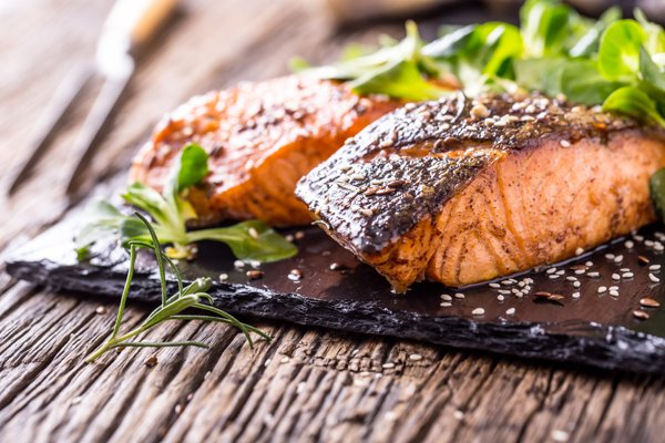 roasted-salmon-with-pepper