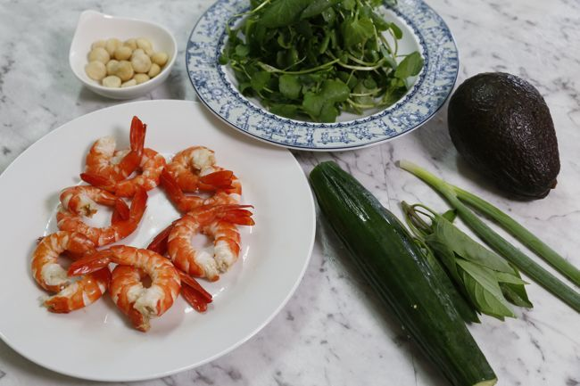 prawn-and-avocado-ingredients