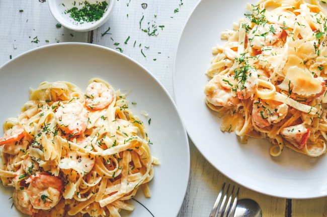 creamy-garlic-king-prawns