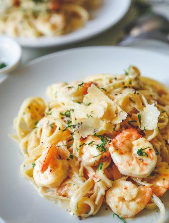 Creamy Garlic Prawn Pasta