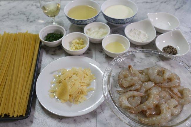 garlic-prawn-pasta-ingredients