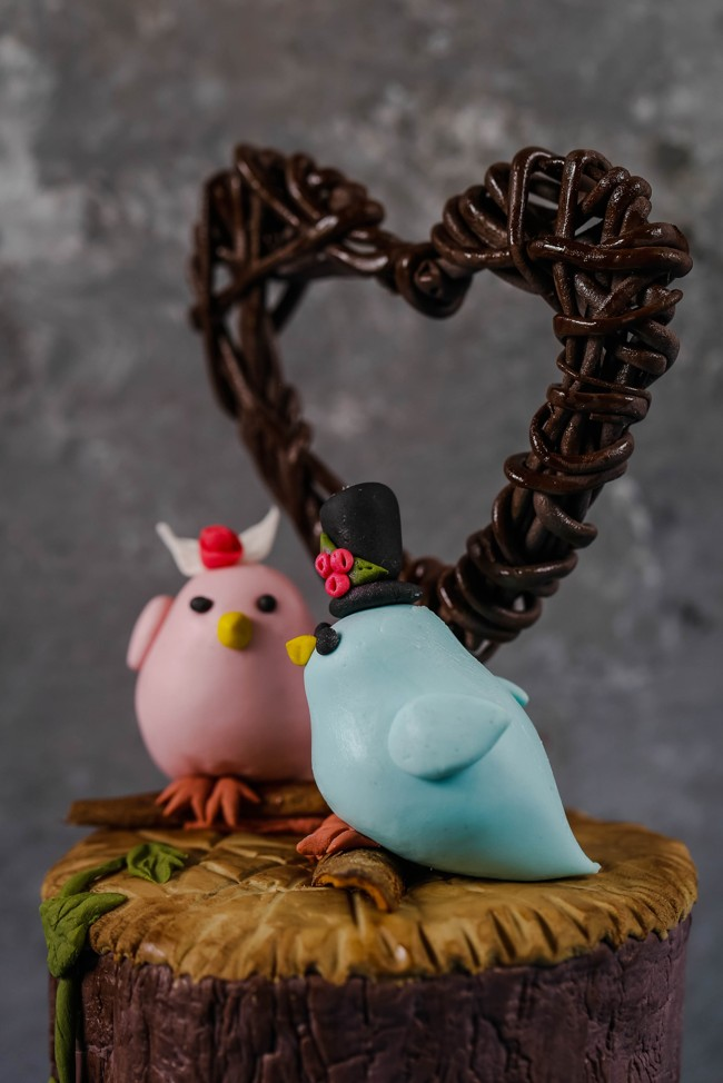 little-modeling-birds-for-wedding-cakes