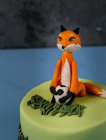 Playful Fondant Fox – Cake Topper