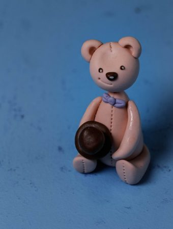 Lovely Fondant Teddy Bear Tutorial – Cake Topper