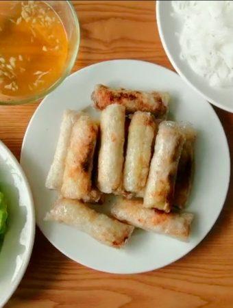 How to make Vietnamese crispy spring rolls